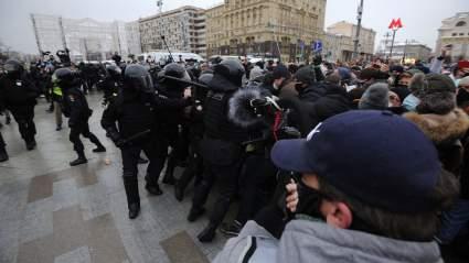 В России назвали число осужденных за участие в несанкционированных митингах