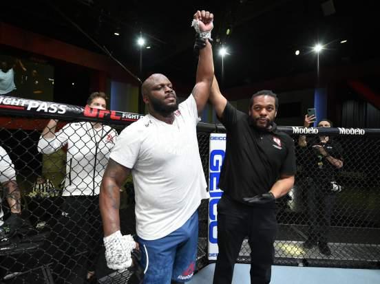 Льюис во втором раунде победил нокаутом Блейдса на турнире UFC Fight Night 185