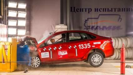 У Lada Vesta нашли слабое место после неофициального краш-теста