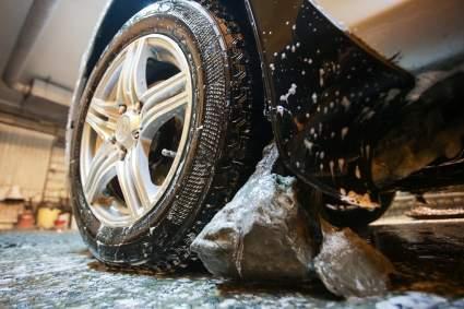 Водителям рассказали, как часто нужно мыть автомобиль зимой