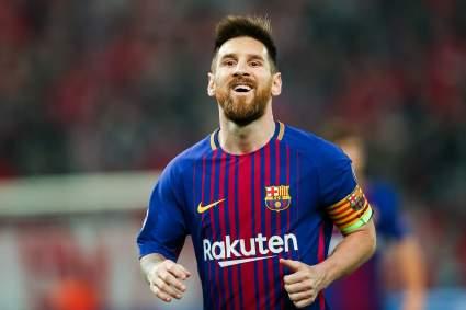 «Барселона» подаст в суд на газету за публикацию деталей контракта Лионеля Месси
