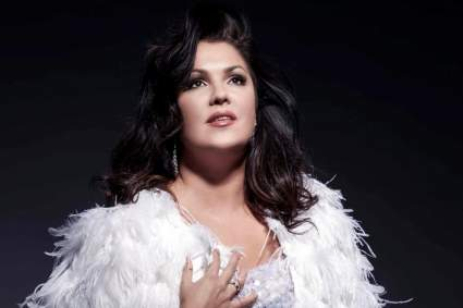 Оперная певица Анна Нетребко отказалась выступать на сцене в маске