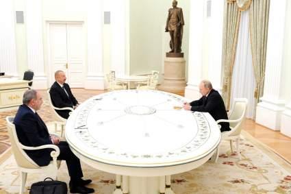 Путин, Алиев и Пашинян подписали заявление по Карабаху