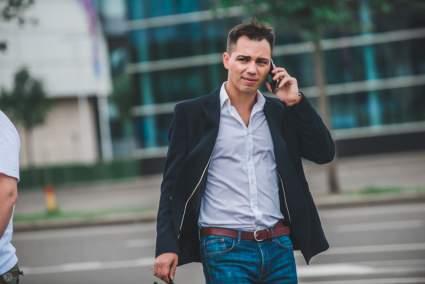 Мачеха Родиона Газманова предложила ему начать ухаживать за Бузовой