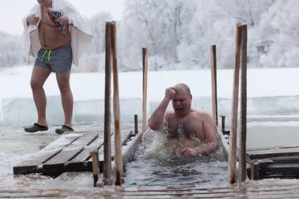 В Российских регионах запретят крещенские купания в разгар пандемии