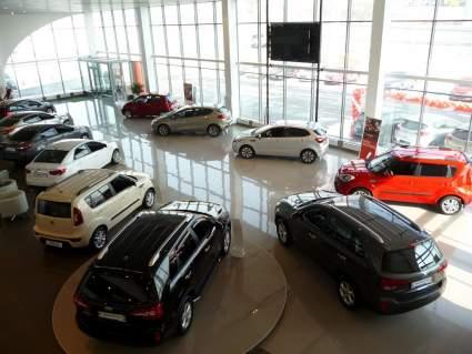 В 2020 году в РФ увеличилось число автомобильных дилеров на 5%