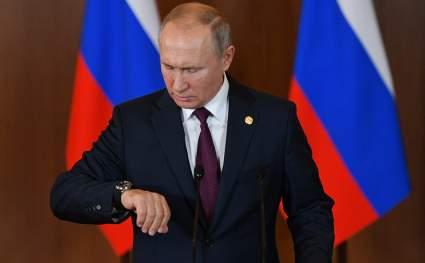 Песков опроверг сведения о вакцинации Путина от COVID-19