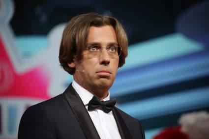 Максим Галкин показал, как ребенок заслушался пением Аллы Пугачевой по телевизору