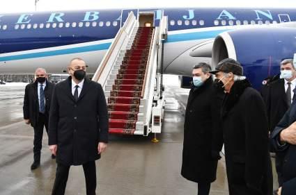 Президент Азербайджана Ильхам Алиев прибыл в Москву на переговоры по Карабаху