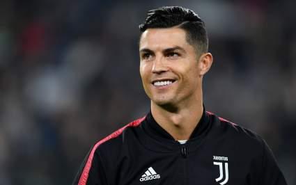 Криштиану Роналду повторил рекорд Йозефа Бицана по числу голов в официальных матчах