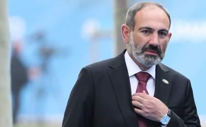 Пашинян отправился на самоизоляцию в день протестов в столице Армении