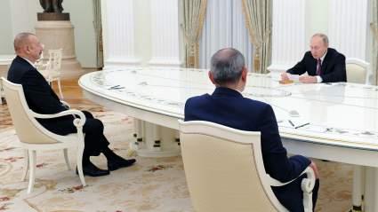 К Пашиняну и Алиеву перед встречей с Путиным приехали российские врачи