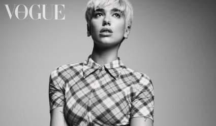 Дуа Липа снялась для обложки Vogue в мини-юбке и бюстгальтере в стиле 60-х