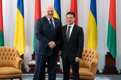 Глава МИД Украины посчитал поучения Лукашенко в адрес Зеленского неуместными