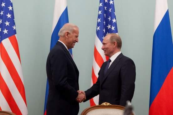 В Кремле ответили на вопрос о возможной встрече Владимира Путина и Джо Байдена
