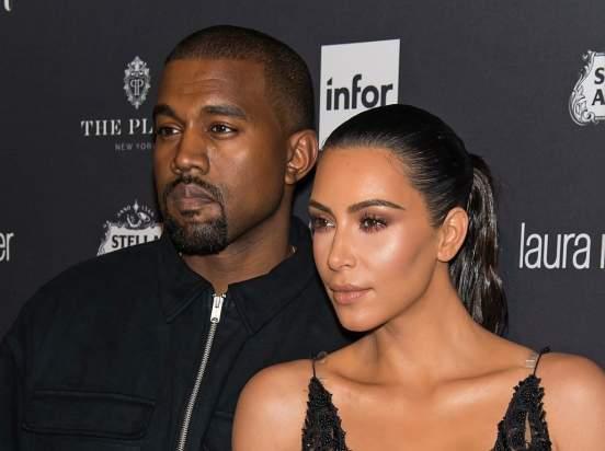 Ким Кардашьян опубликовала в Instagram фото в нижнем белье после слухов о разводе с Канье Уэстом