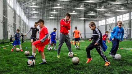Вчера: Урок футбола появится в школах РФ в 2021 году