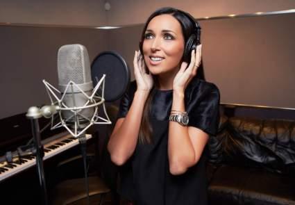 Певица Алсу призналась, что не против родить четвертого ребенка