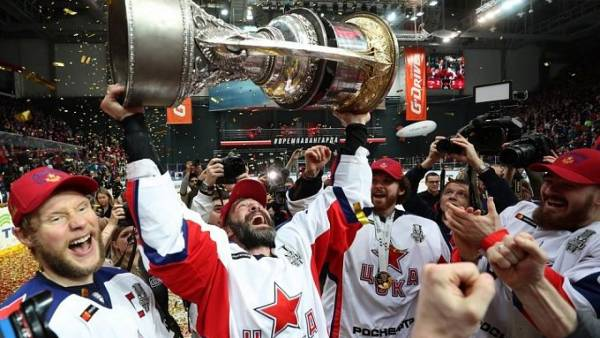 «Авангард» расторг контракт с Андригетто, Дацюк остается в «Автомобилисте». Итоги недели КХЛ