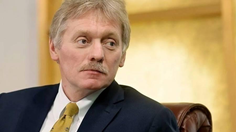 Песков заявил, что Россию впереди ждут новые экономические трудности