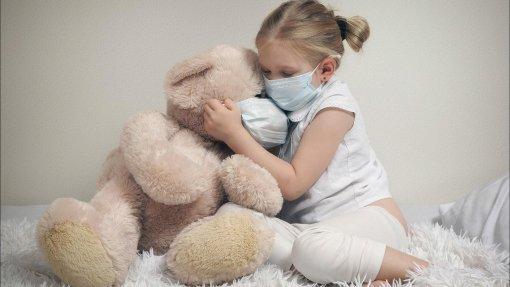 Врач Викулов рассказал, у каких детей могут развиться осложнения после коронавируса