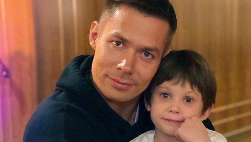 Арбитр Безбородов выгнал из дома жену Ирину, избившую 7-летнего сына певца Стаса Пьехи
