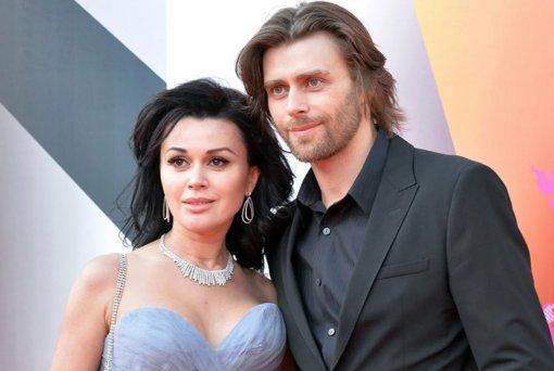 Блогер Лена Миро пожалела Петра Чернышева, мужа Анастасии Заворотнюк