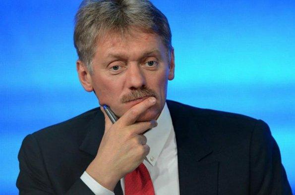 Дмитрий Песков считает естественным изучение военнослужащими РФ статьи Путина про Украину