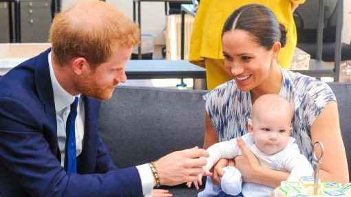Дочь принца Гарри и Меган Маркл не записали в список очереди на королевский престол