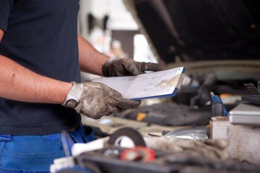 Водителям в РФ рассказали о частоте обслуживания автомобиля