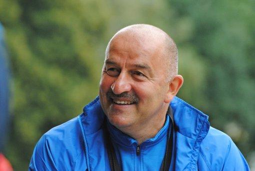 Журналист Уткин не считает отказ Черчесова от неустойки джентльменским поступком