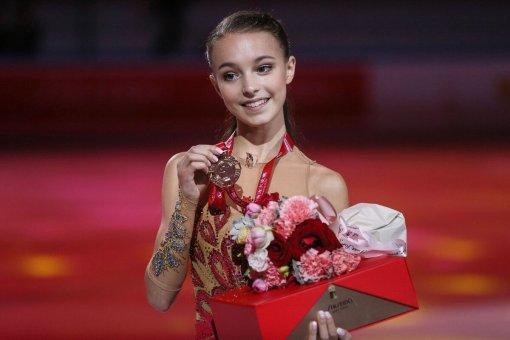 Анна Щербакова вернулась к тренировкам на льду после травмы пальца ноги