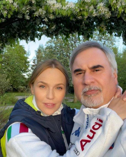 42-летняя Альбина Джанабаева рассказала о присутствии Валерия Меладзе на родах двух детей