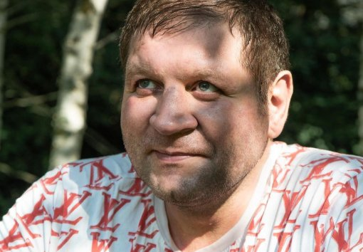 Боец Александр Емельяненко сообщил, что следующие бои проведет против Минеева и Тарасова