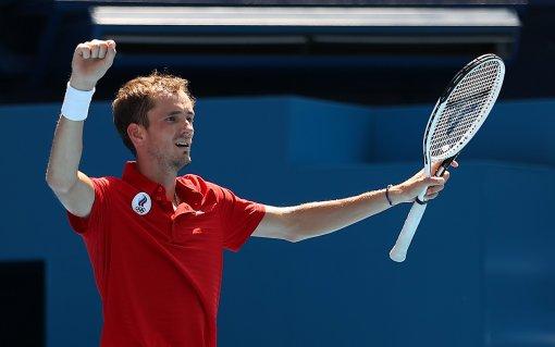 В Госдуме призвали лишить аккредитации журналиста, провоцировавшего российского теннисиста Медведева на Олимпиаде в Токио