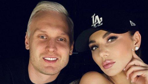 29-летний муж певицы Анны Седоковой Янис Тимма улетел в США в поисках работы
