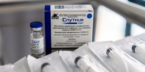 «Для детей и ревакцинации»: врач Людмила Лапа рассказала, как будут применять «Спутник Лайт»