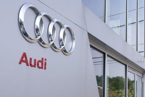 Audi будет придерживаться традиционного дизайна с фирменной решеткой радиатора Singleframe