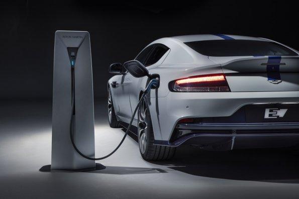 «За рулём» назвал 5 причин, почему электричество и водород не заменят ДВС