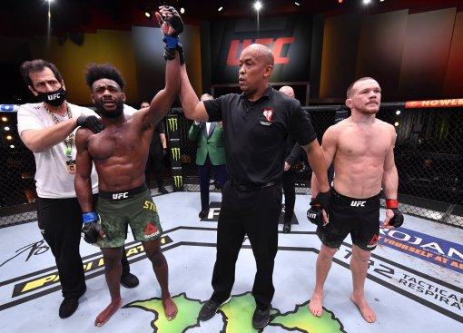 Чемпион UFC Стерлинг завил, что в реванше с Яном будет доминировать