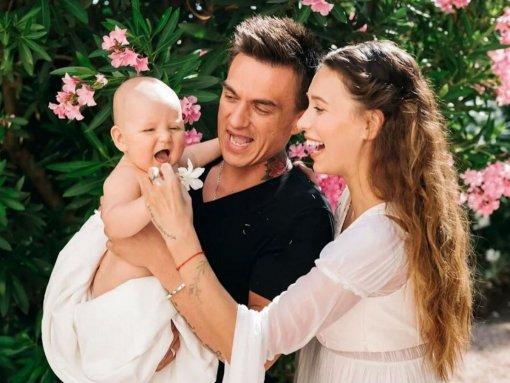 Влад Топалов и Регина Тодоренко ругаются из-за воспитания ребёнка