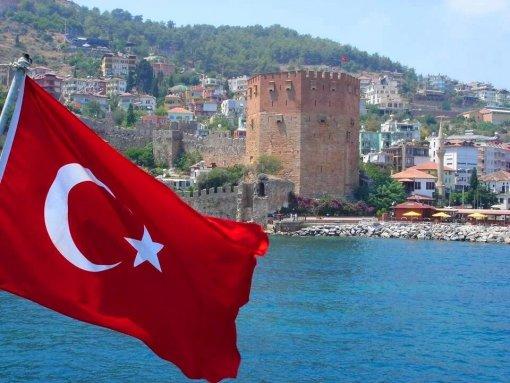 Турецкий инфекционист жалеет об открытии границ между Турцией и Россией