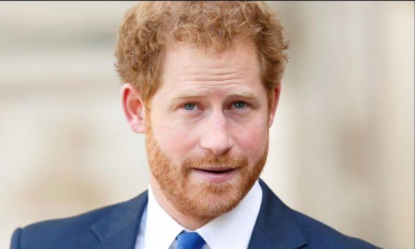 Принц Гарри подготовил «бомбу» о тайной стороне жизни при дворе
