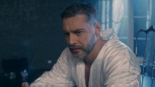 Актер Антон Батырев рассказал причину расставания с Евгенией Лозой