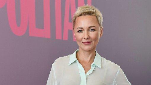 Актриса Дарья Повереннова показала поклонникам фотографии дочери, отметив, что она скучает по Полине