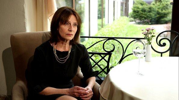 Заслуженную артистку России Елену Сафонову госпитализировали с вирусной пневмонией