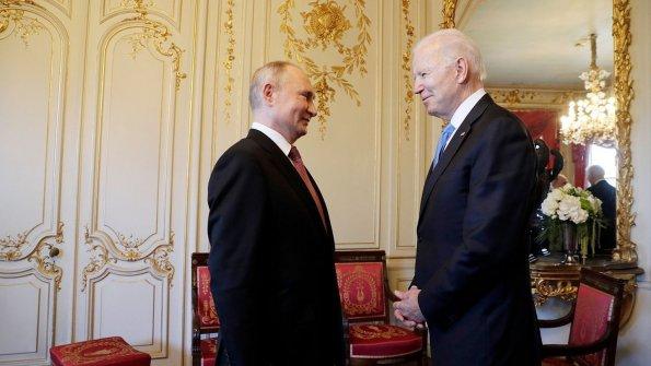 Владимир Путин сообщил, что во время встречи с Байденом тема Украины затрагивалась