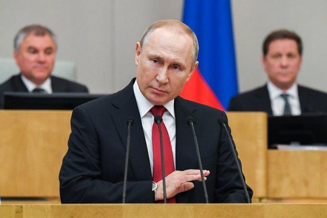 Владимир Путин наложил вето на закон об ответственности за распространение фейков в СМИ