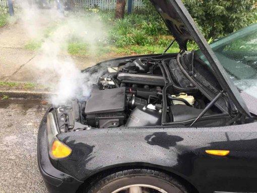 Водителям в РФ назвали способ быстро остудить двигатель при резком повышении температуры