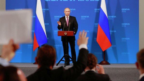 Президент Швейцарии Ги Пармелен оценил прямоту Владимира Путина на саммите в Женеве